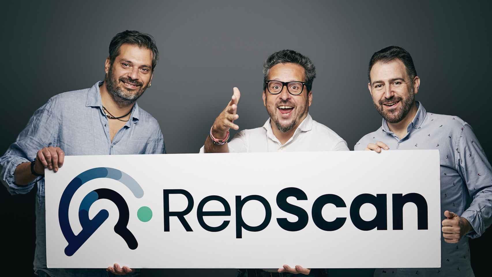 De izquierda a derecha son: Coque Moreno, Josep Coll y Alejandro Castellano, fundadores de RepScan.