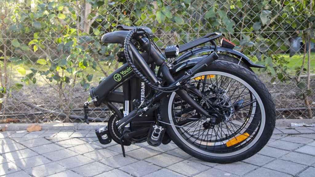 La bicicleta eléctrica plegada