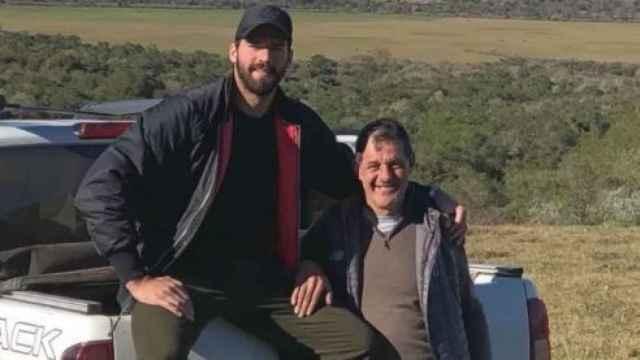 Las imágenes del mundo del deporte: encuentran muerto al padre del portero Alisson Becker