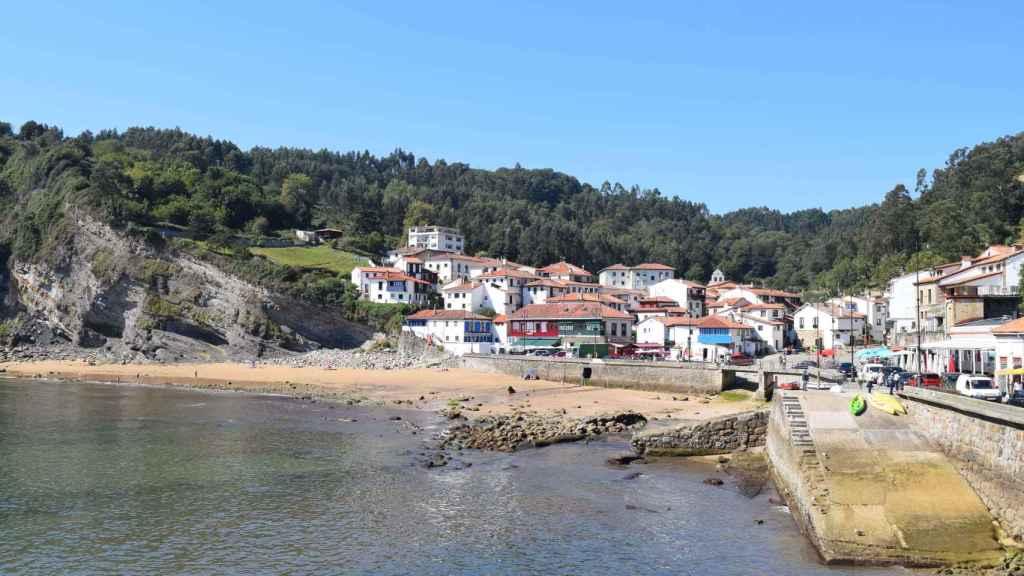 Vista actual de Tazones, primer pueblo español que pisó Carlos I de España y V del Sacro Imperio Romano Germánico.