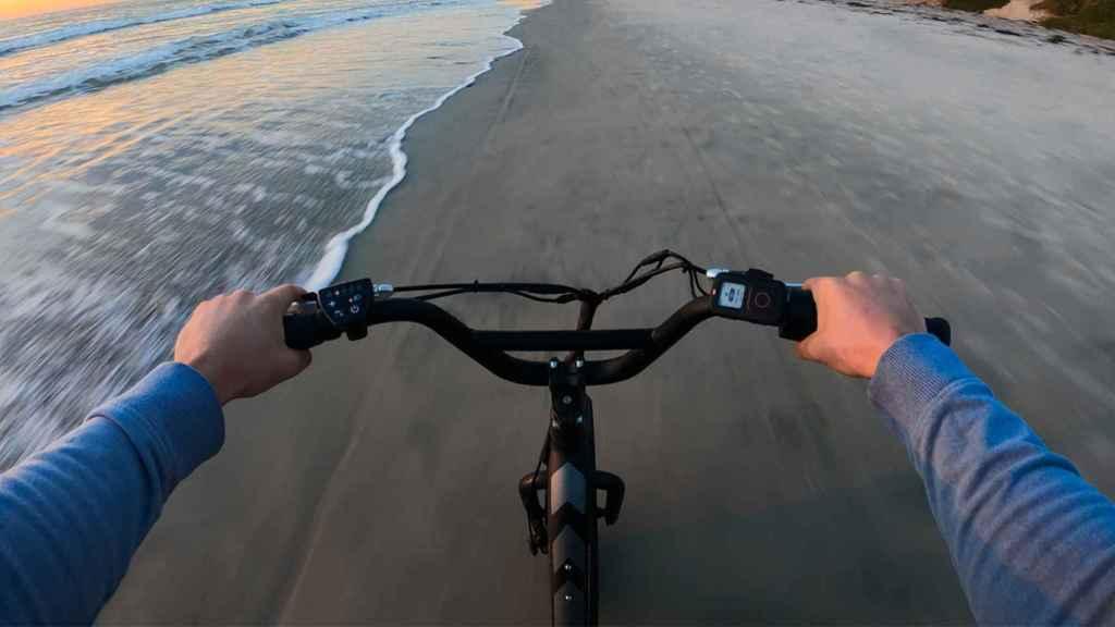 Mando acoplado a una bicicleta.