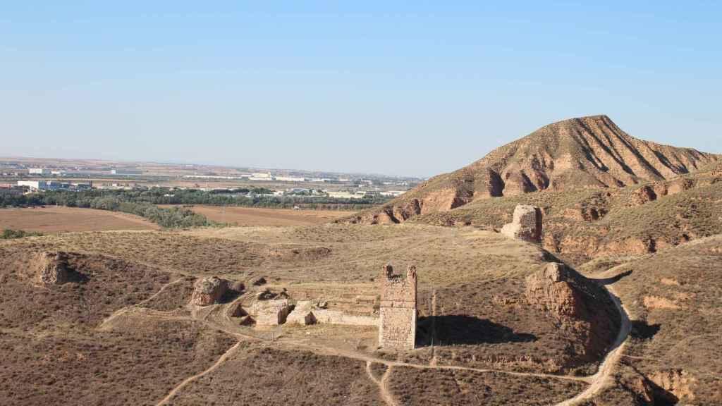 Vista del castillo de Alcalá la Vieja.