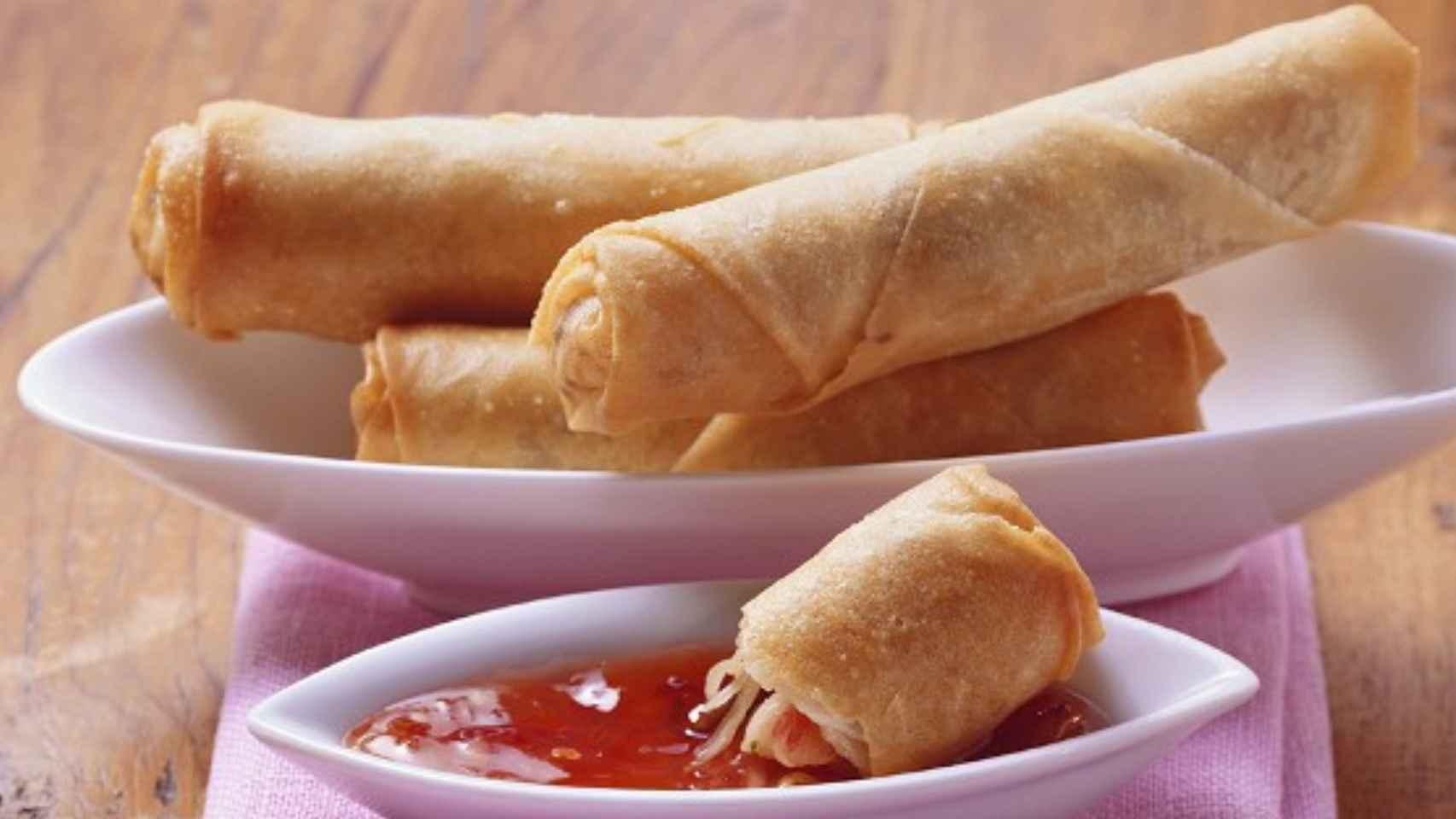 Rollitos de primavera y salsa agridulce, una combinación cargada de azúcar.