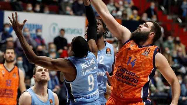 Dubljevic defendiendo ante el Zenit
