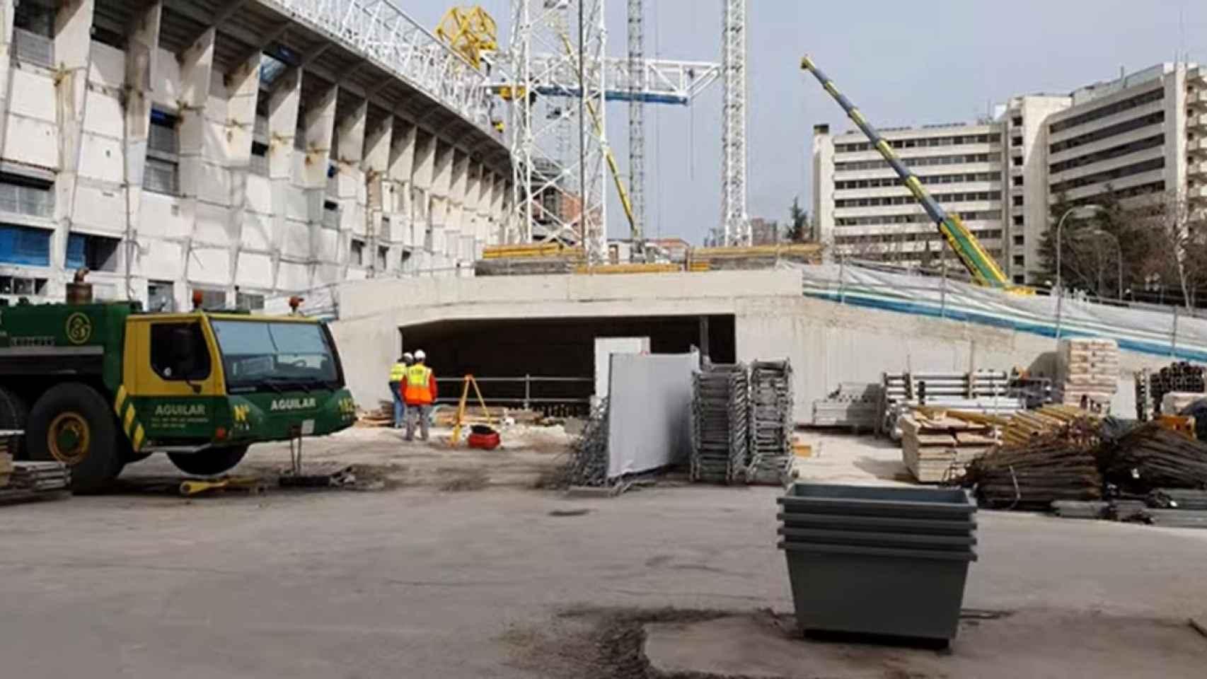 El aspecto de la entrada del párking del Nuevo Santiago Bernabéu