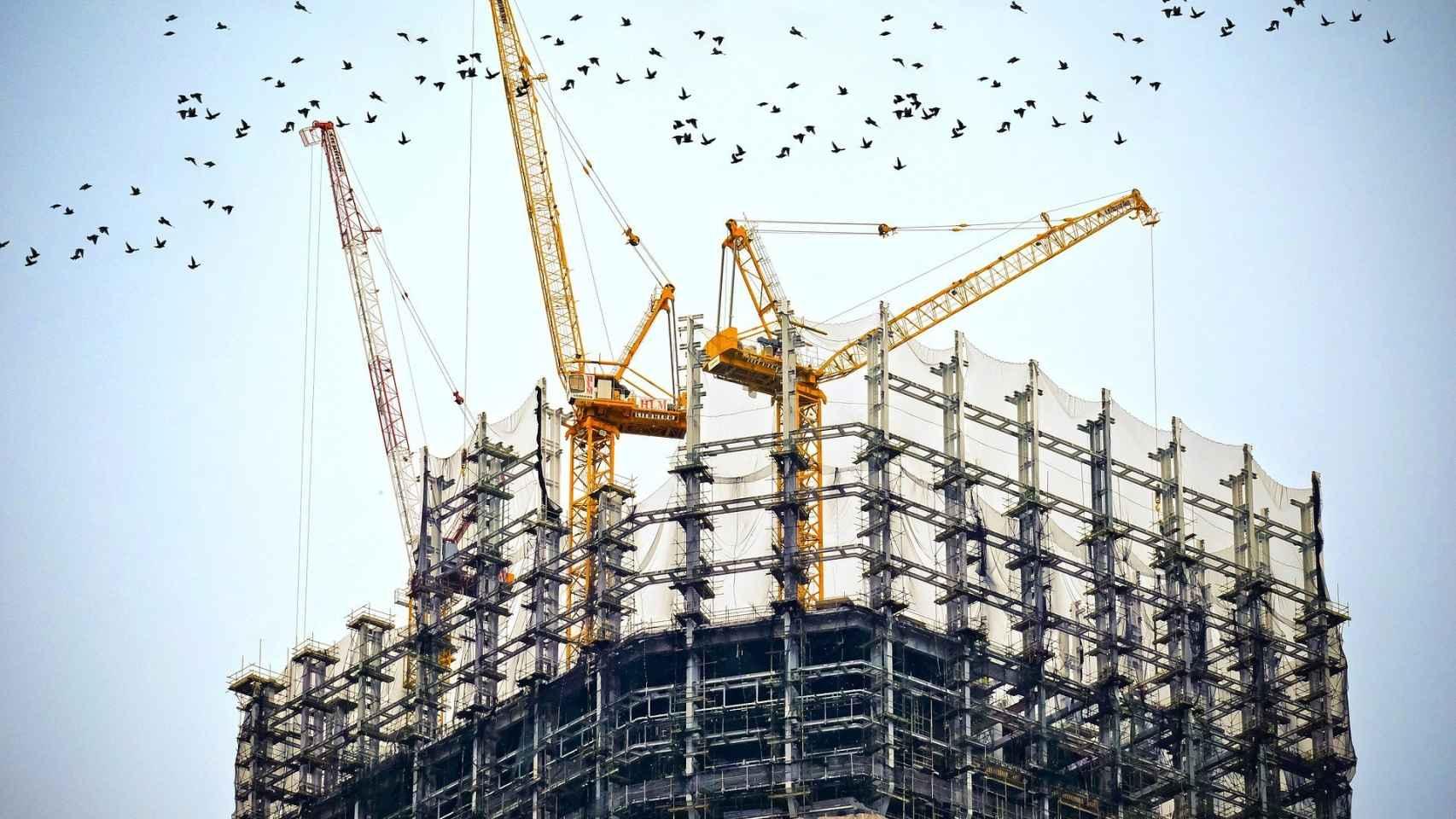 Un edificio en construcción. FOTO: Pixabay.