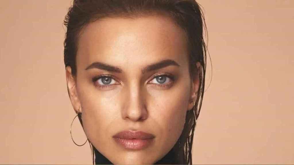 Irina Shayk y su secreto 'beauty' para lucir el rostro terso al estilo de Kate Moss.