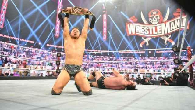 The Miz celebra su conquista del campeonato de la WWE
