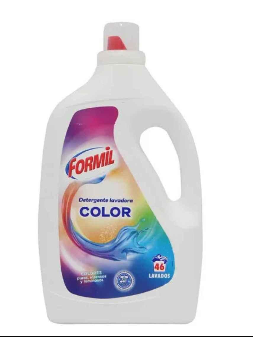 Detergente líquido color 46 lavados de Formil, la marca blanca de Lidl.