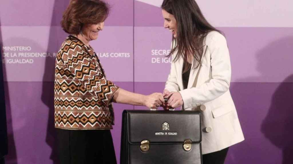 Traspaso de la cartera de Igualdad de Carmen Calvo a Irene Montero.