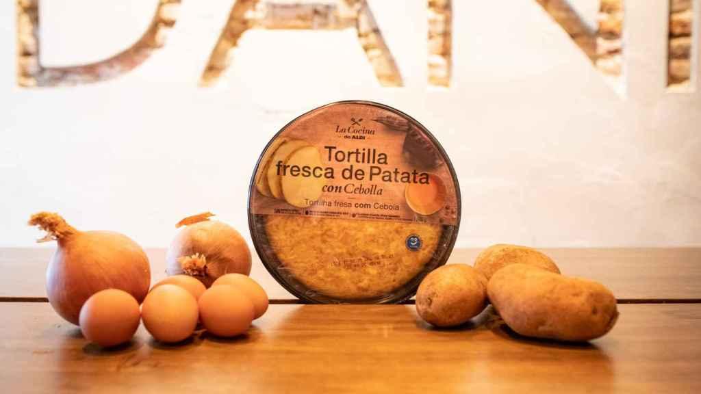 La tortilla de patata con cebolla de La Cocina de Aldi, su gama de platos precocinados.