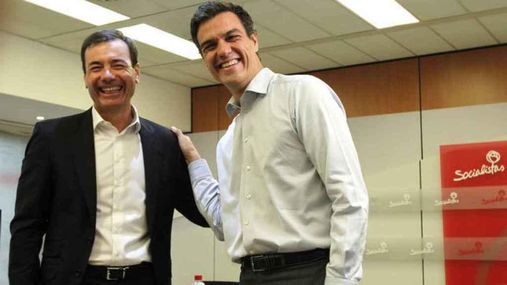 Sánchez y Tomás Gómez, antes de su abrupta ruptura en 2015.