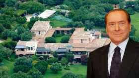 Silvio Berlusconi, junto a su exclusiva mansión en Cerdeña, en un fotomontaje de JALEOS.