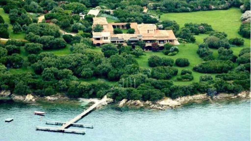 La villa de Berlusconi cuenta con 800.000 metros cuadrados.
