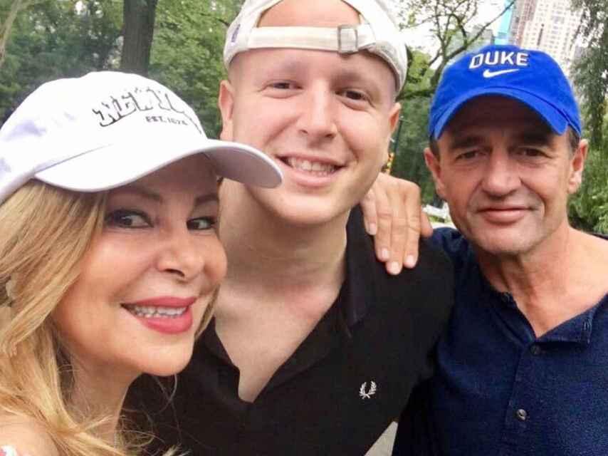 La primera foto de Ana Obregón, Alessandro y Álex Lequio desde Nueva York en pleno tratamiento contra el cáncer.