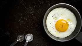 Descubre las mejores sartenes para preparar huevos fritos