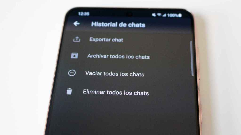 Emptying chats is a good way to improve privacy on WhatsApp.