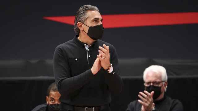 Sergio Scariolo dirigiendo a los Toronto Raptors