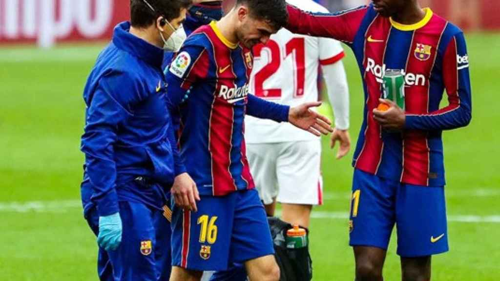 Pedri se retira lesionado con el Barça