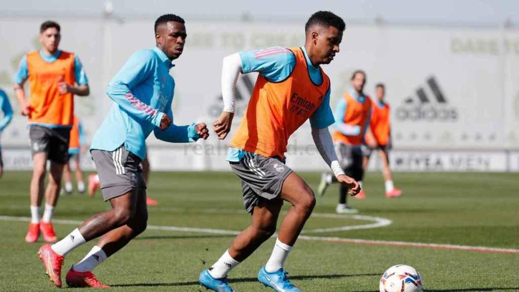 Vinicius intenta presionar a Rodrygo