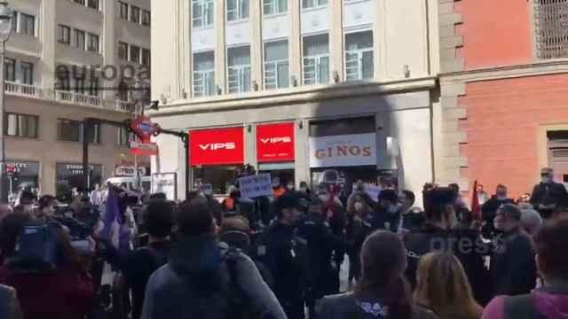 Radicales intentan boicotear manifestación por la sanidad pública