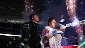 Saúl 'Canelo' Álvarez, junto a J Balvin, en su combate contra Yildrim