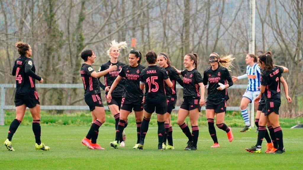 Las jugadoras del Real Madrid Femenino celebran un gol frente a la Real Sociedad. Foto: Twitter (@realmadridfem)