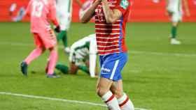 Antonio Puertas celebra el gol de la victoria del Granada ante el Elche