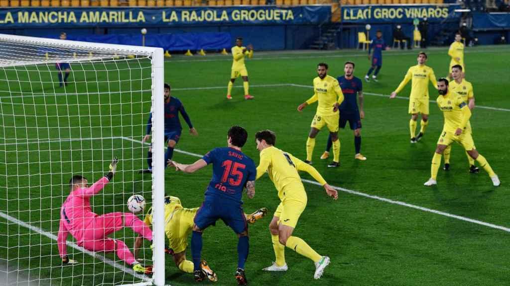 Gol de Savic para el 0-1 del Atlético de Madrid ante el Villarreal