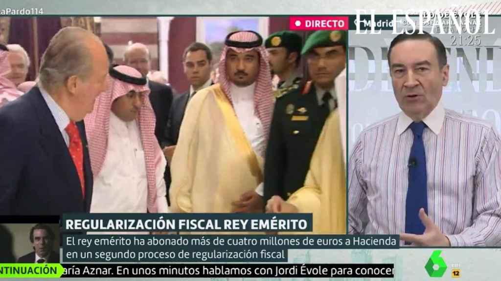 Fotograma de la intervención de Pedro J. Ramírez en La Sexta hablando sobre el Rey Juan Carlos.