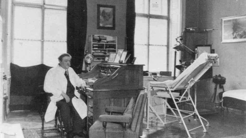 El médico judío Eduard Bloch, quien trató a Klara Hitler.