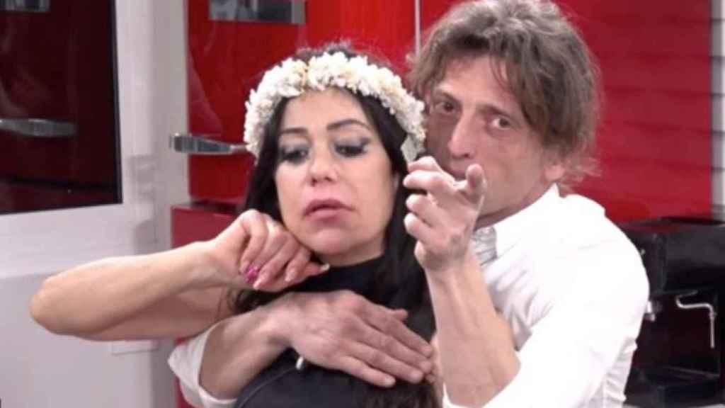 Remi y su ya expareja Maite en el 'reality' 'Solo, Sola'.