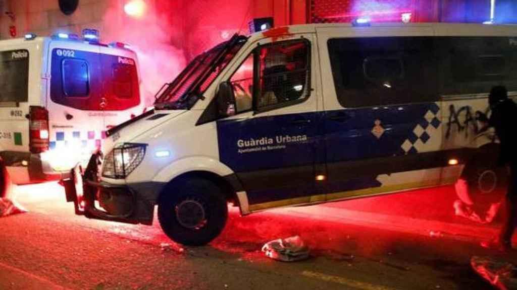 Ataque a la comisaría de La Rambla con cócteles molotov.