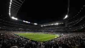 El Estadio Santiago Bernabéu, con público