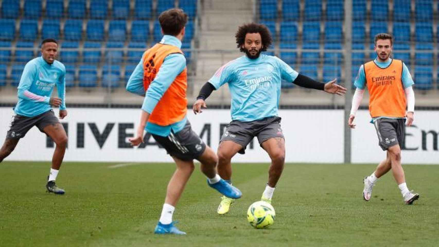 Eder Militao y Marcelo, durante un entrenamiento del Real Madrid