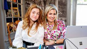 La princesa Alexia de Holanda junto a su madre Máxima en una imagen de archivo.