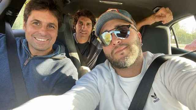 Kiko Rivera con sus hermanos Fran y Cayetano.
