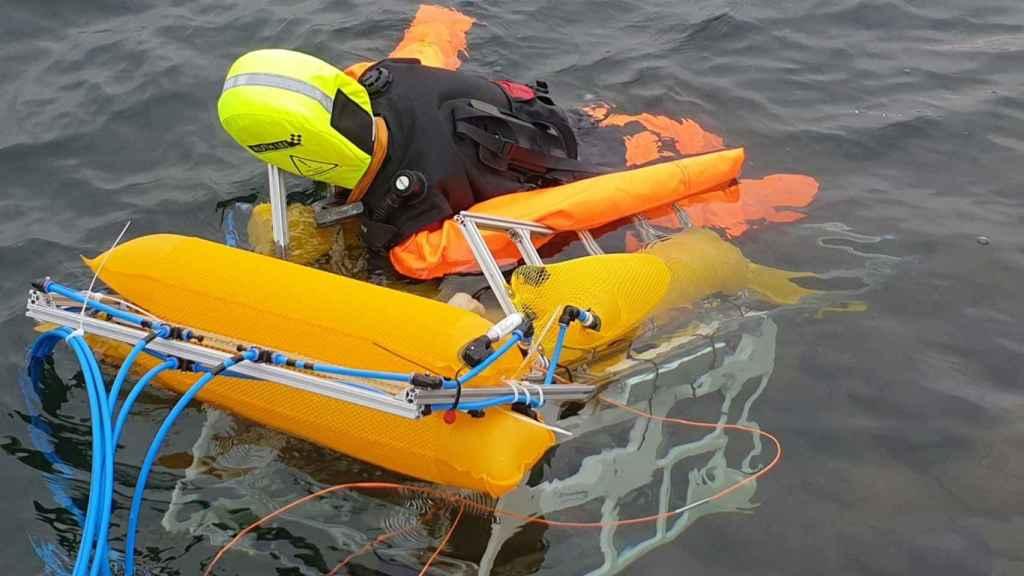 El robot submarino en la prueba realizada en el lago de Alemania.