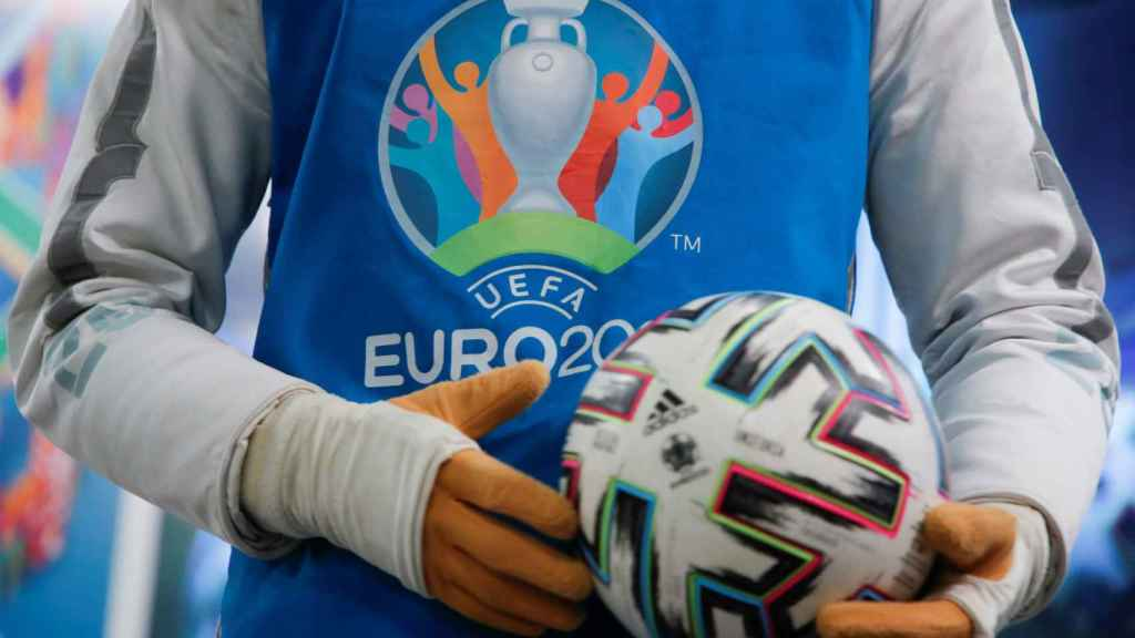 Un trabajador de la Eurocopa 2020