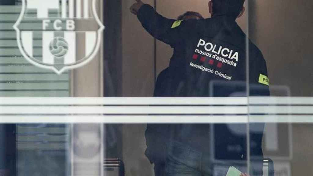 Los Mossos, en las oficinas del FC Barcelona