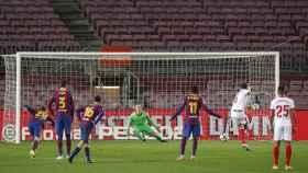 Penalti fallado por Ocampos ante Ter Stegen