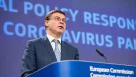 El vicepresidente económico de la Comisión, Valdis Dombrovskis, durante la rueda de prensa de este miércoles