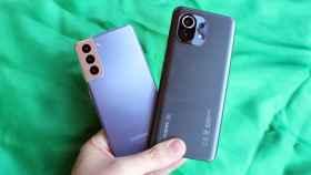 El Samsung Galaxy S21 y el Xiaomi Mi 11.