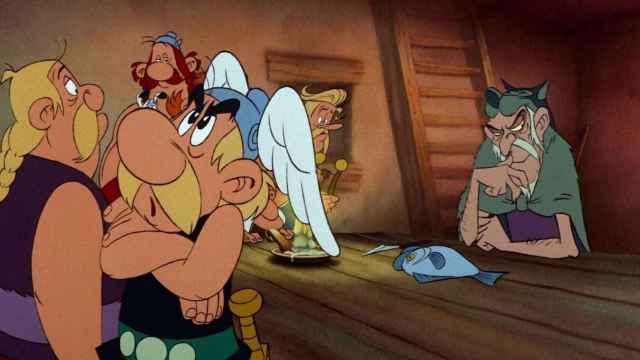 Frame de la primera adaptación de 'El combate de los jefes'.