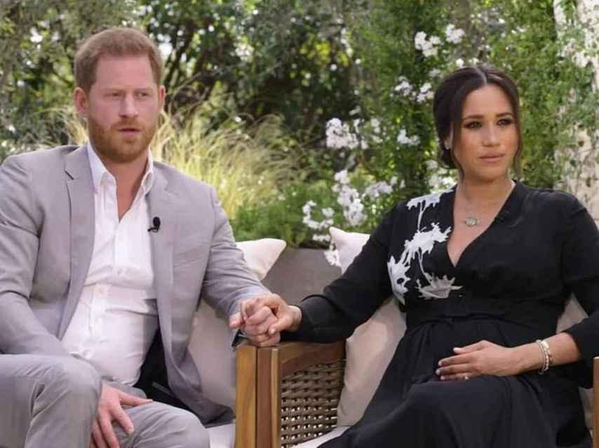 Harry y Meghan, durante su entrevista con Oprah Winfrey, que se emitirá este domingo.