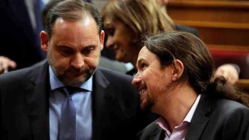 El ministro de Transportes y Movilidad, José Luis Ábalos, y el vicepresidente segundo del Gobierno, Pablo Iglesias, en una imagen de archivo.