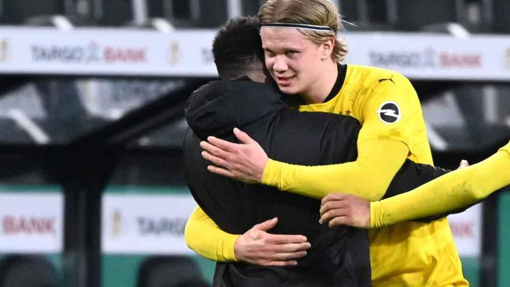 Haaland celebra un gol con el Dortmund