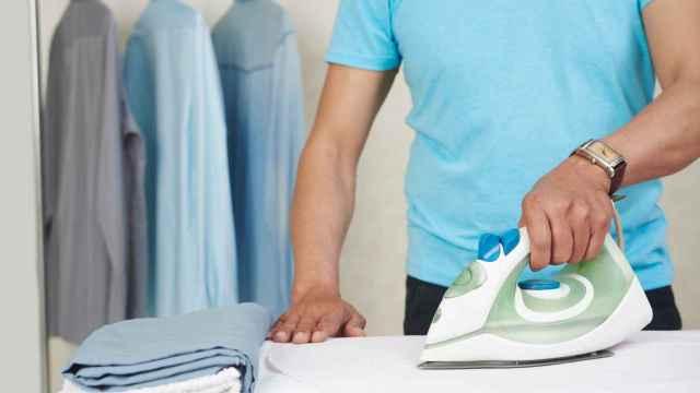 Cómo limpiar la plancha de la ropa de forma fácil