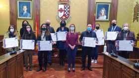 Representantes de los establecimientos reconocidos en el ayuntamiento de Valdepeñas