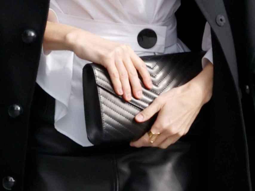 La cartera de Felipe Varela que ha lucido la Reina.